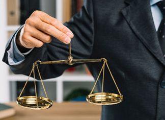 در این مطلب در مورد مراحل طلاق با داشتن حق طلاق صحبت میکنیم